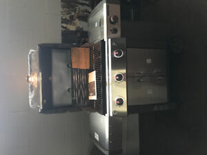 Brand New Weber 3 Burner LX with FREE IGrill2