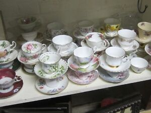 LARGE COLLECTION OF FINE BONE CHINA CUPS & SAUCERS $15 PARAGON