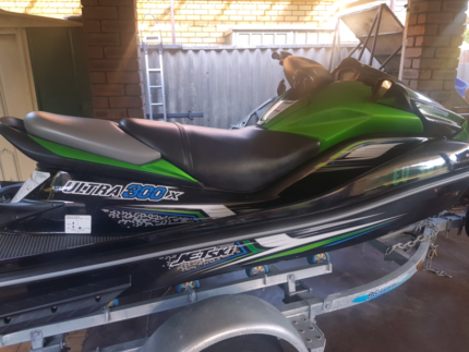 2013 kawasaki ultra 300x 37hrs like new