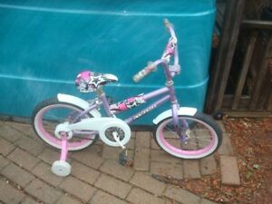 Avigo girls starter bike with training wheels $60.00