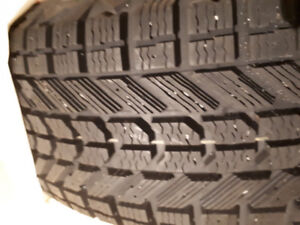 4 winter tires FIRESTONE 225/60r18 @ 98% new
