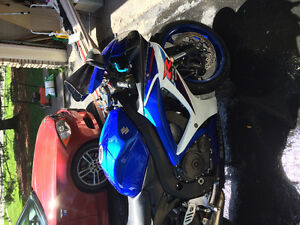 2007 Gsxr 600 full Yoshi exhaust and new tires