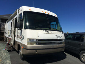 Ford Cruise Master MotorHome For Sale.