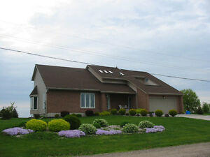 Lakefront home on 200x200 feet lot. (in Leamington)