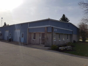 2,400-ft2 Industrial Space & Office for Lease - North Waterloo Kitchener / Waterloo Kitchener Area image 1
