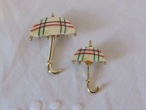 Pair of Vintage Abalone Shell/Mother of Pearl Umbrella Broaches
