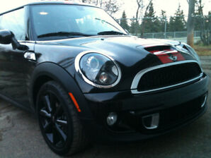 2012 Mini Cooper S - Low KMs, Incl. Winter Tires