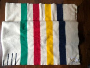"Hudson's Bay iconic POINT BLANKET – Twin size 5x7 (60""x 84"")"