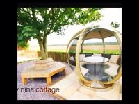 Lady Nina Cottage with hot tub in Fife