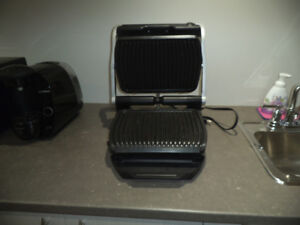 Grille T-Fal opti grill. (cuisson automatique )