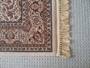 Persian carpet area rug beige patterned Like new condition London Ontario image 5