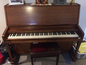 Willis and Co. - UPRIGHT PIANO