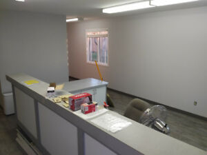 FOR LEASE: Commercial Office with Fenced Compound