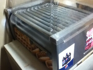 Hot dog griller with lid