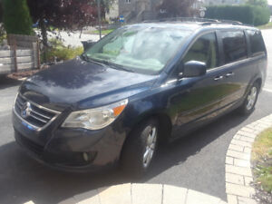 Volkswagen Routan Highline 2009