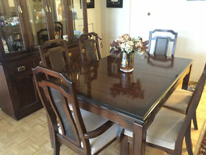 MOVING - MUST SELL!  Solid Cherry Wood Dining Room Set