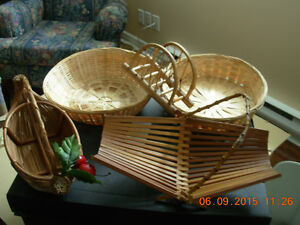 Wicker/osier serving trays,dolphins,bread basket centrepiece