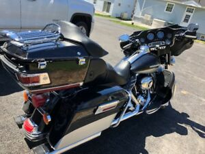 2012 HARLEY DAVIDSON ELECTRA GLIDE ULTRA LIMITED EDITION