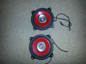 Used pair of Sony XSW4021 4-Inch 2-Way Speakers