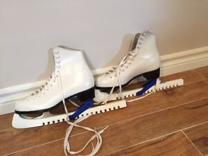 Women's leather CCM size 6 ice skate