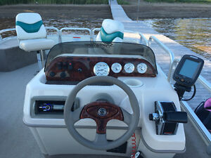 Fishing Pontoon Excellent Condition 2006