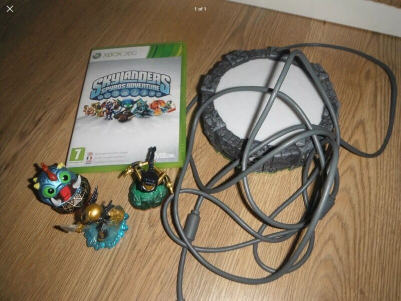 Xbox 360 Sylanders Spyro's Adventure Game with portal and 3 figures