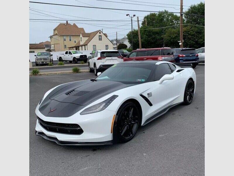 2019 White Chevrolet Corvette  1LT | C7 Corvette Photo 2