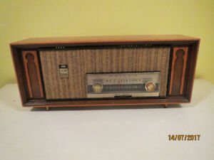 radio am-fm antique PHILCO a lampe