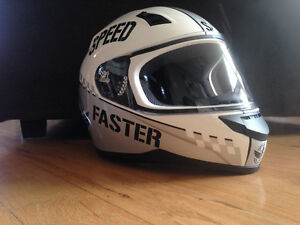 Speed and strength helmet size L Kitchener / Waterloo Kitchener Area image 1