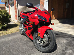 Honda CBR600RR 2005 - Excellent condition, only 8900kms