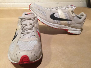 Women's Nike Zoom Air Marathoner Running Shoes Size 9.5  London Ontario image 1