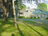 LARGE COUNTRY HOME JUST OUTSIDE ALMONTE