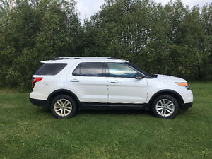 PRICE DROPPED! 2014 Ford Explorer XLT SUV, Crossover