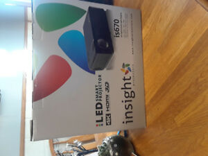 Insight is670 Smart Projector/72 Screen/Home Theatre