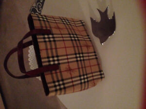 Burberry - Haymaker Tote