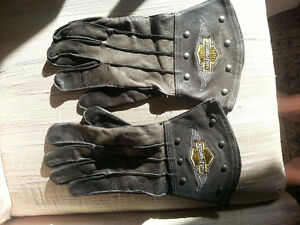 Harley Davidson gauntlet style leather gloves
