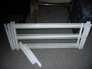 armatures de métal pour barrer les fenêtres