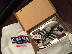 ADIDAS NMD R1 CHAMPS Exclusive Colourway Deadstock