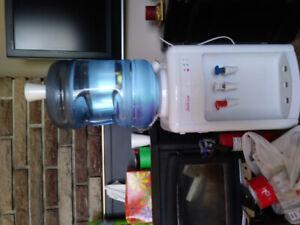 Fontaine d'eau filtree refroidissante