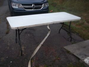 fold up tables