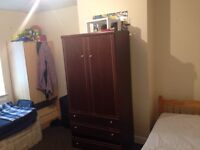 Two rooms available for rent at Bristol road. Lu3 Area