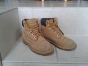 Boys Timberland Boots size 5.5