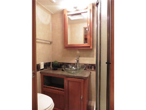 2010 Forest River Georgetown 337DS - Class A RV 33' - REDUCED! West Island Greater Montréal image 8