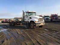 2004 MACK GRANITE CH713 DAY CAB AND CHASSIS