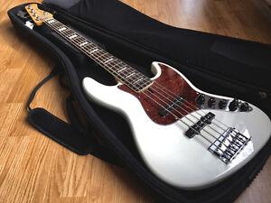 Sire Bass V7 5 cordes