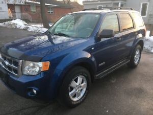 MINT ONE OWNER 2008 FORD ESCAPE V6 LOADED MUST LOOK