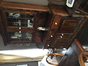 Dining Table/hutch/breakfast nook
