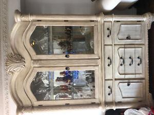 Beautiful Royal style classy Glass Vanier