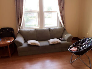 All inclusive 3 bd Apt with Free laundry & Free parking