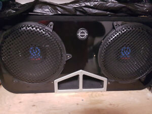 12 inch pioneer sub and 600 W pioneer amp